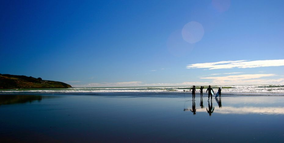 Raglan: Learn to surf at New Zealand's black sand, premier surf beach.