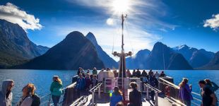 milford sound boat cruise straynz thumb