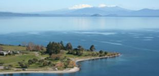 lake taupo thumb