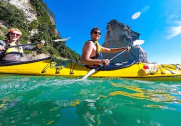 hahei cathedralcove kayaking thumb